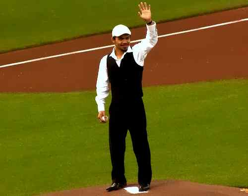 Manny Pacquiao giant pitch care filipino-people