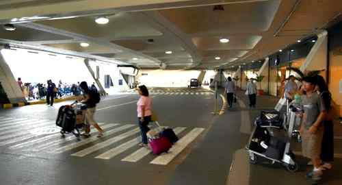Passengers exiting NAIA1 care ninoy-aquino-international-airport