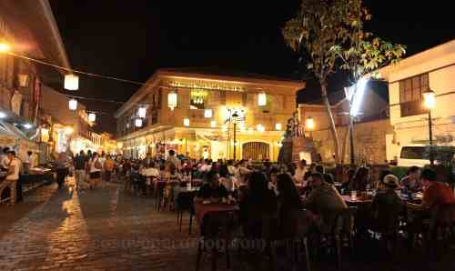 Plaza Burgos at night