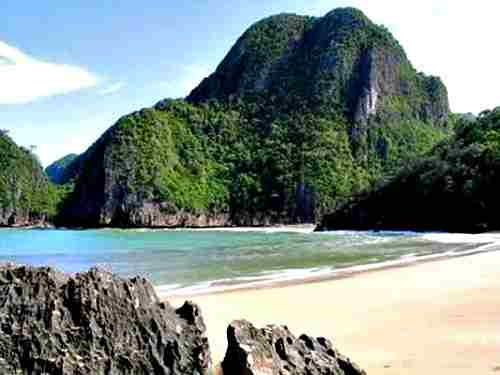 Caramoan Island in Bicol
