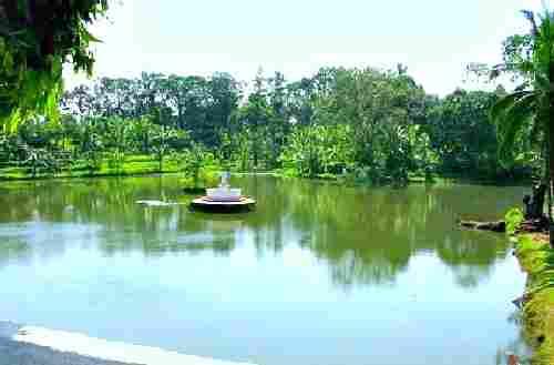 Jamboree Lake