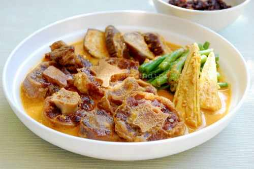 A nice Philippine cuisine called Oxtail Kare-Kare